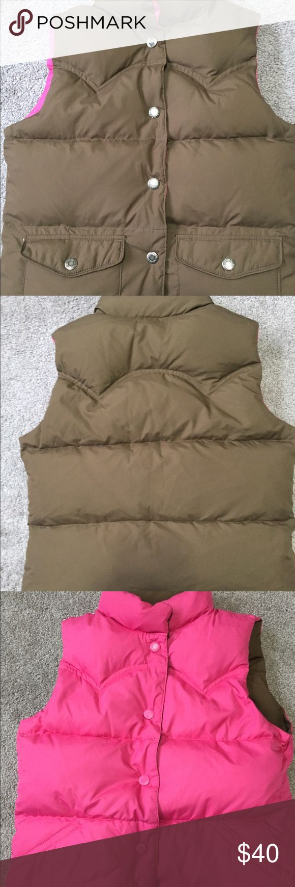 American Eagle Outfitters reversible puffy vest Two vests in one with Snap buttons on both sides Jackets & Coats Vests
