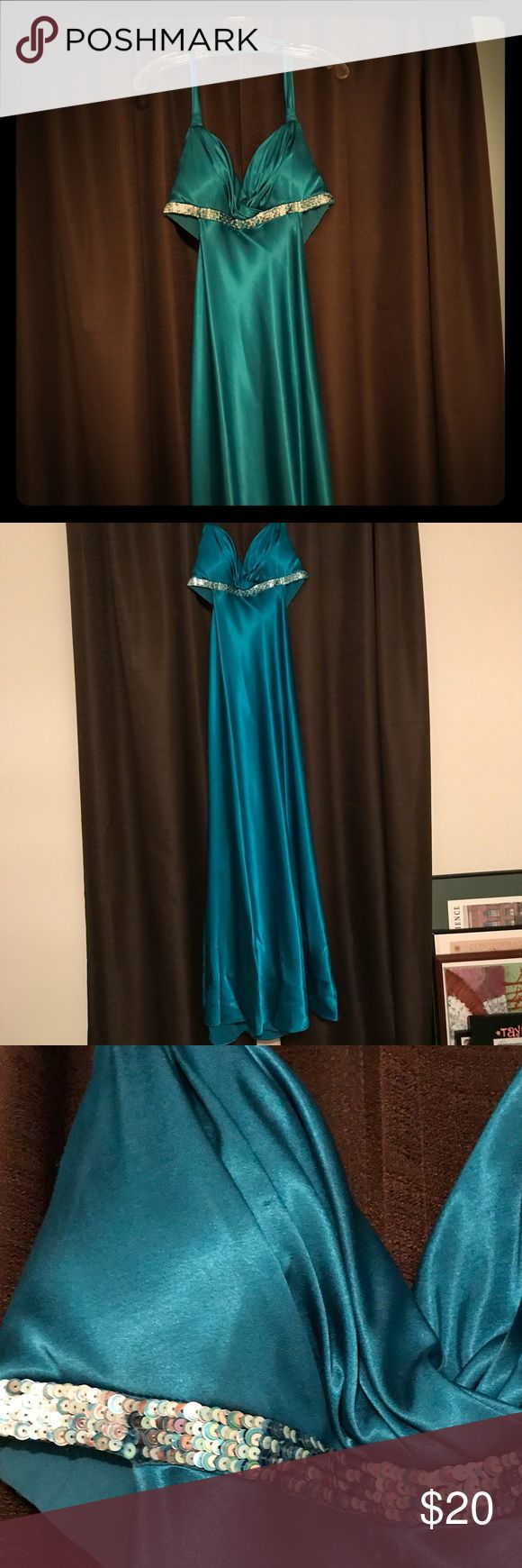 David's Bridal Dress David's Bridal Dress Size 10  Few signs of wear (as pictured) David's Bridal Dresses Prom