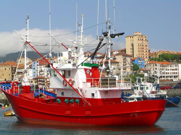 https://flic.kr/p/6Bf5kM   Barcos pesqueros de Bermeo by Turdaibai   Los barcos de pesca de Bermeo se concentran en el puerto para salir a faenar al mar