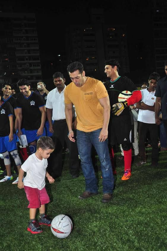 Salman Khan enjoys football with Aamir Khan's son Azad Rao Khan...