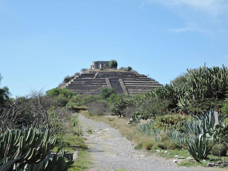 Ruiny piramidy w pobliżu Queretaro. fot. Paweł Trefler