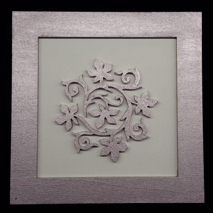 Pasztell lila-fehér 3D fa falikép 15cm x 15 cm
