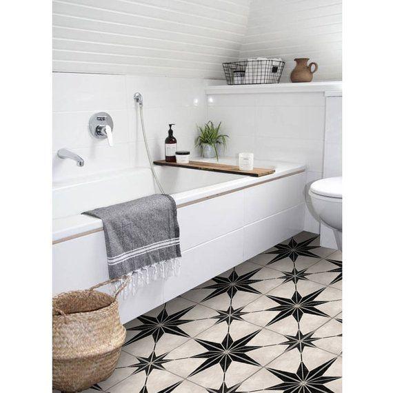 عکس استفاده از الگو در طراحی کفپوش حمام