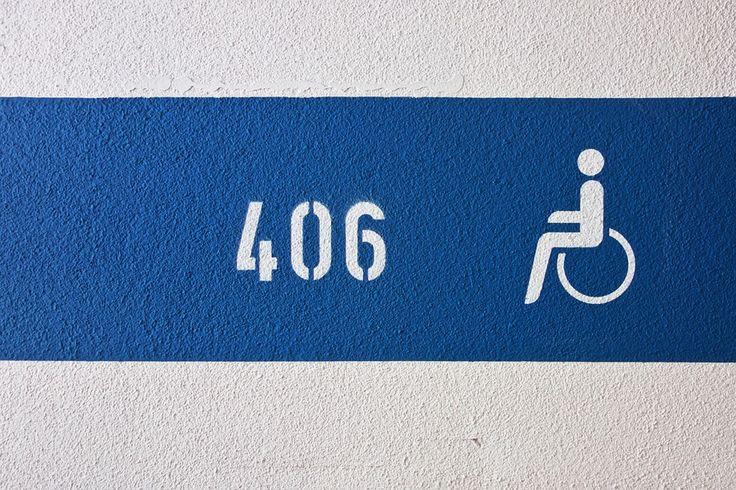 #podjazd #dla #niepełnosprawnych w miejscach publicznych to już konieczność! Pomóż osobom niepełnosprawnym i zainwestuj w udogodnienia dla nich! http://www.wamat.com.pl/pl/oferta/schody-porecze-bariery/profesjonalny-najazd-dla-niepelnosprawnych