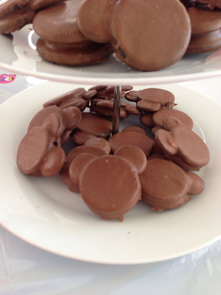Minnie Mouse chocolate cookies