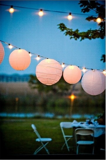 Whether you're having a beach or backyard wedding, decorating your wedding space is vital in order to have a lovely and romantic special night or day! Hang streamed lights and lanterns above the dance floor and tables to set a beautiful atmosphere. Even if your party is indoors, it will still set the same gorgeous lighting that would be outside!