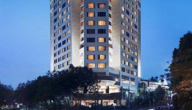 Hotel bintang 5 di Bandung bisa Anda cari di sini. Kami rekomendasi daftar nama hotel di Bandung bintang 5 beserta alamat lengkap. Anda juga bisa mempelajari harga kamar hotel, penawaran tarif menginap. Booking Agoda