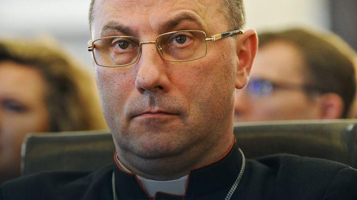 """""""Gazeta Wyborcza"""": prymas obraził się na wiernych #religia"""