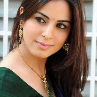 Shraddha Arya Wiki, Biography, Age, Height, Weight, Family, Husband. Actress Shraddha Arya Date of Birth, Bra size, net worth, Boyfriends, Photos, Images