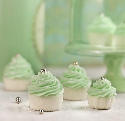 Minty wedding cupcakes
