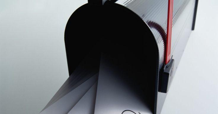 Como encaminhar e-mails automaticamente no Outlook. O Microsoft Outlook é um poderoso programa de e-mails, agenda e gerenciamento de contados utilizado por muitas empresas. Com a tecnologia móvel disponível hoje, muitas pessoas precisam acessar seus e-mails de várias localidades. O Outlook tem a opção de encaminhar um e-mail para um endereço diferente, quando necessário. Há muita flexibilidade ...