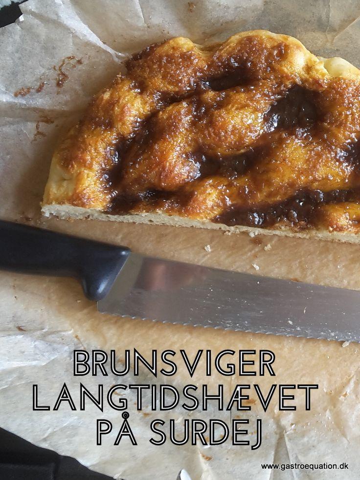 Brunsviger i en langtidshævet og hjemmebagt udgave. En god brunchkage som endda har et lavt indhold af fodmaps, fordi den er langtidshævet på surdej.