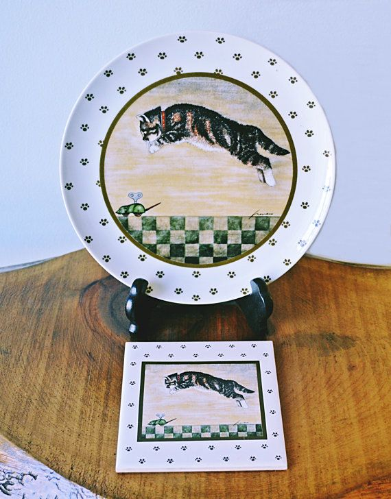 Lowell Herrero Cat Plate And Wall Hanging Trivet by Collectitorium