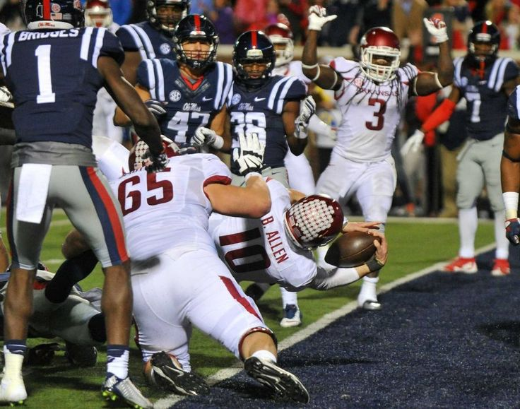arkansas beats ole miss 53-52 | Arkansas quarterback Brandon Allen (10) dives in to the end zone for a ...
