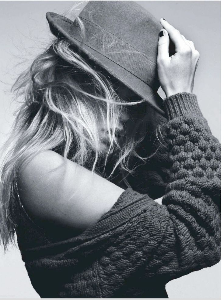 black and white photography | black and white, fashion, hair, hat, model, photography - inspiring ...
