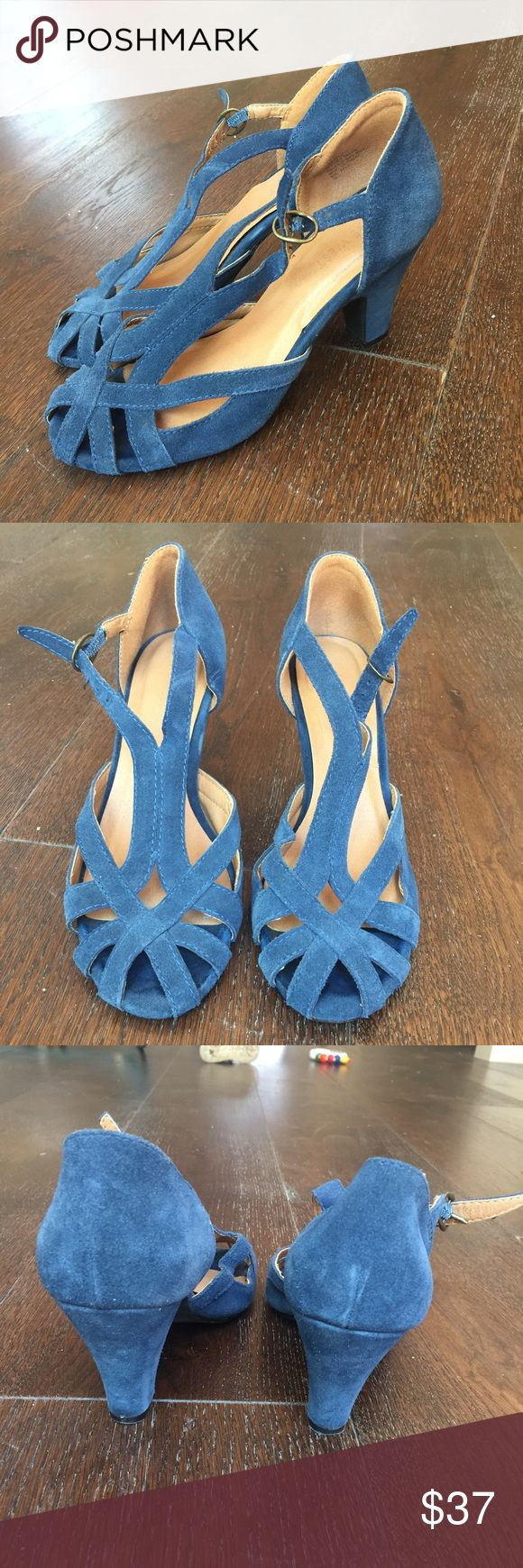 Nine West pumps Really cute dark blue Nine West pumps! Gently used but in really excellent condition! Shoes Heels