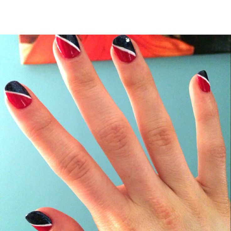 Carnival Cruise Line Inspired Nails || Photo Credit : Lauryn