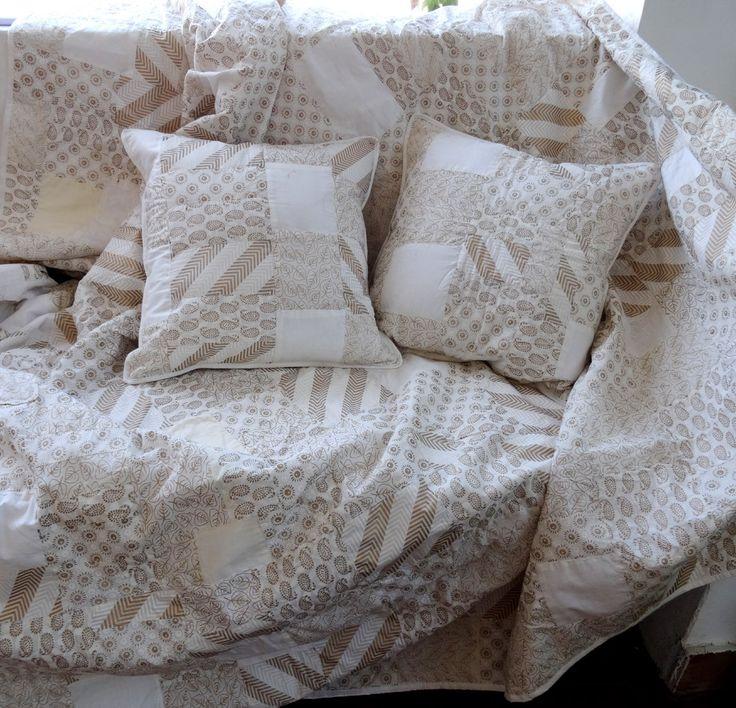 Les 25 meilleures id es de la cat gorie couvre lit for Jete de canape en lin