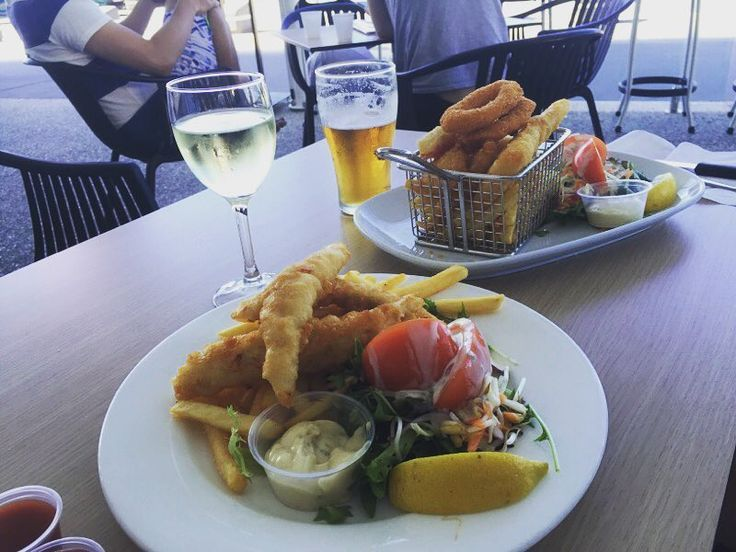 Enjoying a lovely lunch at Surfers Paradise Surf Lifesaving Club. #surfersparadisebeach #surferslifesavingclub #happyanniversary #qld #goldcoast by janekellaway http://ift.tt/1PI0tin