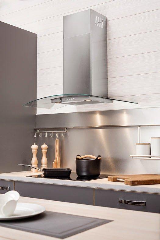 Liesituuletin voi olla keittiön katseenvangitsija. Kuvassa liesituuletin Cello Ares. #liesituuletin #moderni keittiö