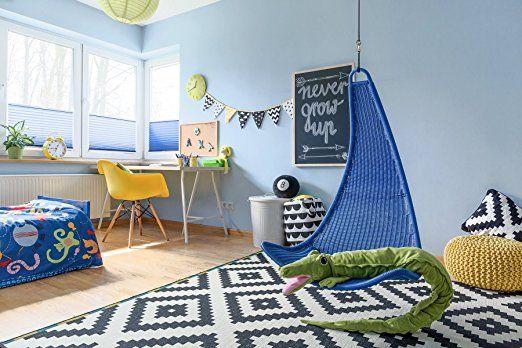 Une chambre d'enfant hyper déco avec le store plissé up and down, existe en tamisant ou occultant ! #store #surmesure #blind #blue #kids #deco #ideedeco #storesdiscount