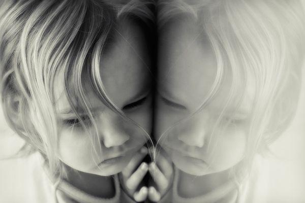 I bambini non devono essere costretti ad abbracciare, non devono essere spinti a baciare e non debbono essere indotti a a dire ti…