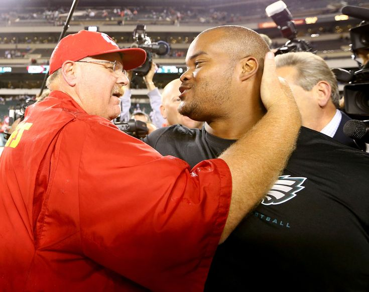 Philadelphia Eagles: Duce Staley receives a promotion after all
