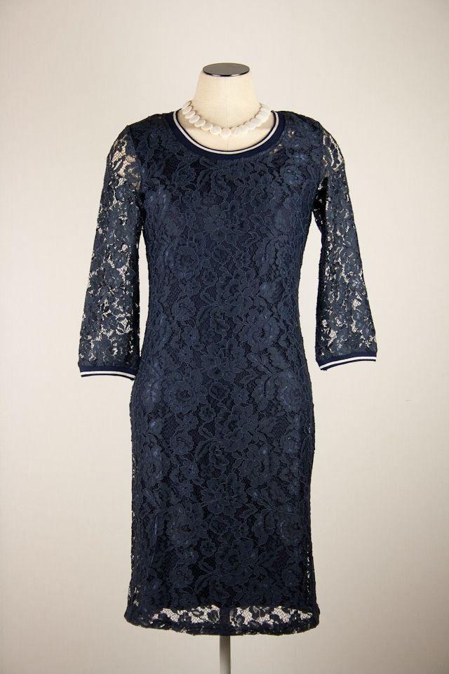 Tramontana blauwe kanten jurk driekwart mouw   filly fashion
