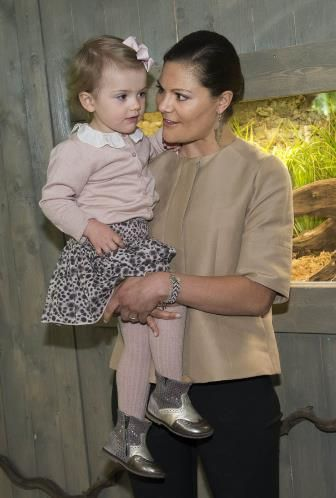 Swedish Crown Princess Victoria and Princess Estelle at the Skansen Aquarium on 16.04.2014