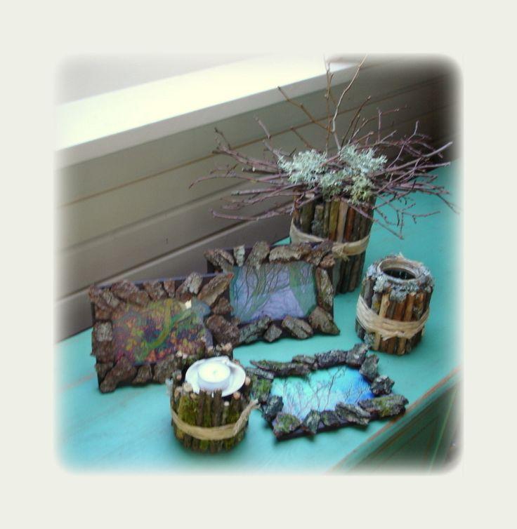 Vaser- fyrfads stage og rammer lavet med grene og bark