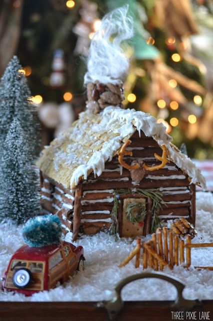 How cute is this gingerbread log cabin!  Would be cute for Christmas home decor