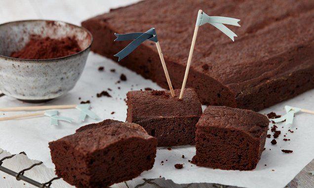 Simple Brownie Einfacher Brownie Simple Brownie Recipe A Juicy Chocolate Cake Blondiebrownies Browniesdecaneca Browniesopskrift Brownie Rezept Schokoladen Kuchen Und Saftiger Schokoladenkuchen