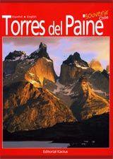 Cuando 11.000 atrás los primeros cazadores Aonikenk, también conocidos como Tehuelches, se adentraron desde la pampa patagónica hacia los cordones andinos, divisaron a lo lejos una espectacular silueta emergiendo en medio de las nubes. A este gigante geológico lo llamaron Paine, que en su lengua cercana al mapuche quiere decir azulado, quizás por los colores que predominan al observarlo desde la lejanía. Localización en biblioteca:  918.337 O98t 2011