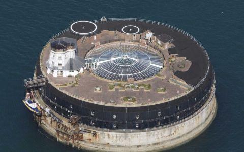 Dormir en una fortaleza marítima del Canal de la Mancha