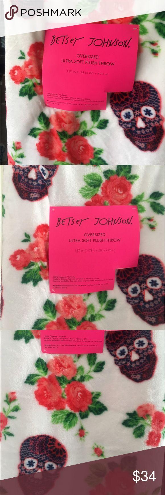 25 best ideas about skull carpet on pinterest purple sofa purple - Betsey Johnson Plush Blanket Throw Floral Skull Boutique Red Purplered