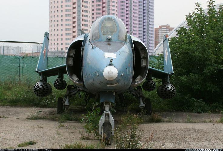 Yakovlev Yak-38 - Russia - Navy | Aviation Photo #1306411 | Airliners.net