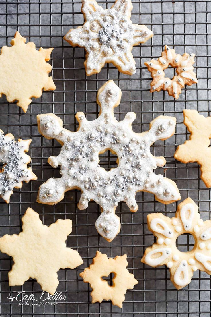 Quick And Easy Christmas Sugar Cookies Are So Good Either