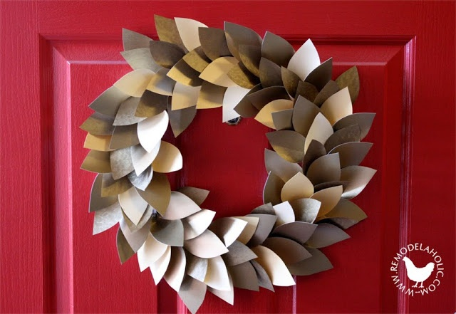 Remodelaholic | Paper Christmas Decorations; Day 10