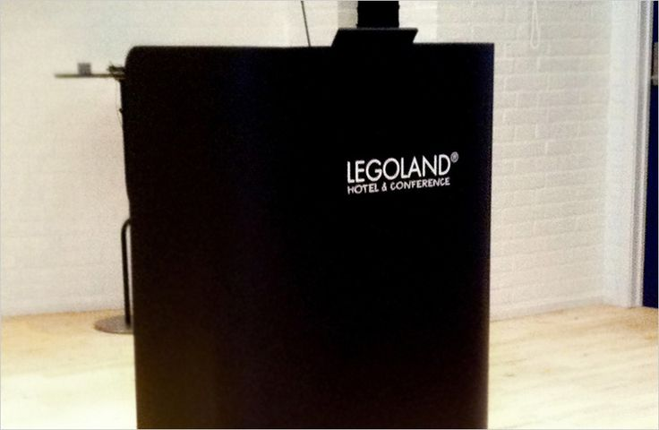 Impact lectern2 in nocturne black Corian® at LEGOLAND Hotel & Konference -