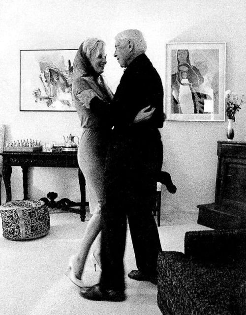 Marilyn Monroe and Carl Sandburg photographed by Arnold Newman.