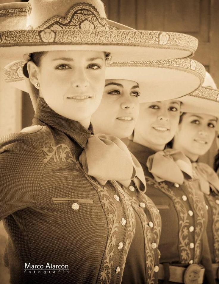 Mexican beauty girls. Marco Alarcón photographer.