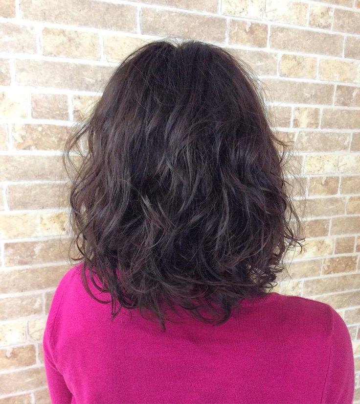 本日のお客様 いつもはなかなかパーマがかかりにくいらしく直毛のお客様 お薬選んでしっかりめのふわふわにかかりました(o) 今回もご来店ありがとうございます #美容室#鹿児島市 #creer_for_hair #パーマ #ふわふわ #ウェーブ #鴨池
