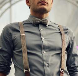 Very military-feeling ensemble.Bows Ties, Braces, Bow Ties, Dresses, Men Fashion, Bowties, Gentleman Style, Suspenders, Girls Style