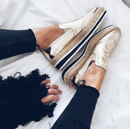 Zara shoes via Vicklook