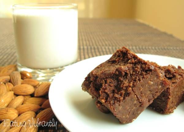 Raw Almond Pulp Chocolate Fudge Brownie Recipe - Eating Vibrantly. *Hold the agave.  Great without it.