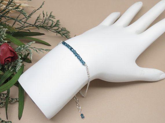 Bracelet topaze bleue de Londres décembre par KeiraCrystalCreation