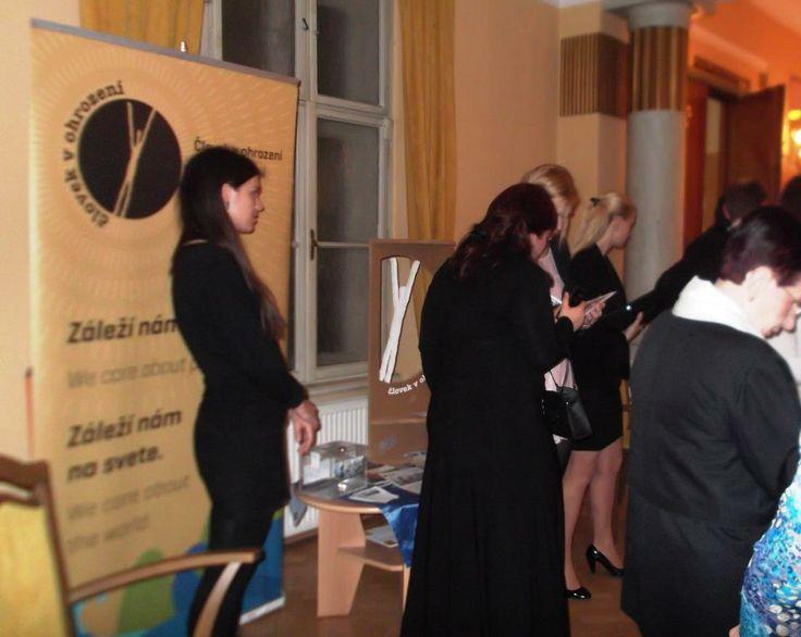 """Výťažok z tohto benefičného podujatia sa organizátori rozhodli venovať na našu verejnú zbierku SOS Ukrajina. Celkovo sa vyzbieralo takmer 600 Eur.  Úprimnú vďaku prejavil aj radca Veľvyslanectva Ukrajiny v Slovenskej republike Vitalij Usatij. """"Som veľmi šťastný, že Ukrajina má na Slovensku takýchto priateľov. Oceňujem túto pomoc, ďakujem za pozvanie Jozefovi Viskupičovi, ako aj za príspevky do zbierky,"""" vyjadril sa Usatij."""