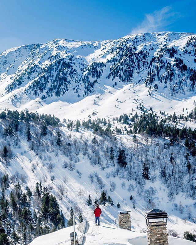 """Little red  Nuevo post en Ikuday.cat: """"Disfrutar de la nieve sin el esquí tradicional? Escápate a Andorra"""" . . Bona nit! Buenas noches! Goodnight! . #winterinamdorra #visitandorra #andorraworld"""