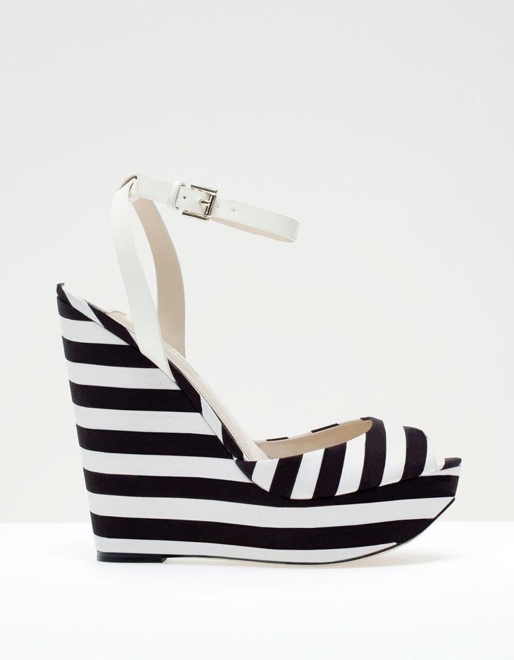 Chaussures compensées rayées