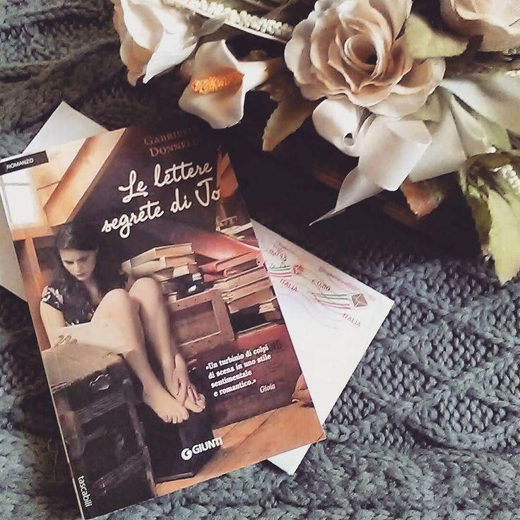 [] Anche Lulu sorrise stringendosi nella coperta mangiata dalle tarme che la riparava dal terribile gelo della soffitta e per puro piacere ricominciò a leggere la lettera.  #book #books #giunti #libro #libri #leggere #lettura #instalibro #instabook #instalove #instalike #romanzo #scrivere #amoleggere #amoreperilibri #libriovunque #bookslover #bookstagram #bookish #bookaholic #lovebooks #floweroftheday #flowers #picoftheday #photooftheday #photobooks #like #seguimi #girl